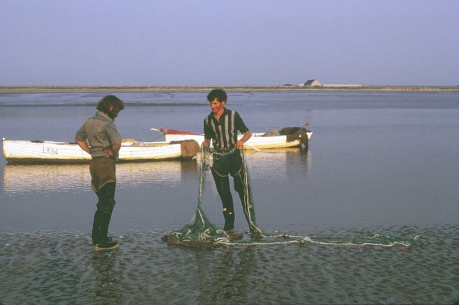 Fishermen Tom and Philip Smith on shore with a haaf net | Alan Smith
