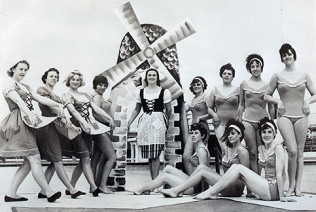 Aqualovlies, Morecambe 1960 | Mrs. Carrick