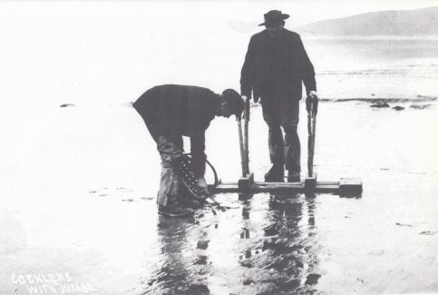Flookburgh fishermen, Ike and Billy Burrow cockling