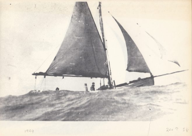 Alice Allen, LR 170, in heavy seas off Rossal Point, Fleetwood | Keith Willacy collection