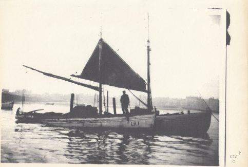 """Fishing boat """"Mascot"""" LR 1 alongside """"Fanny"""" LR 4 on moorings in the Ring Hole"""