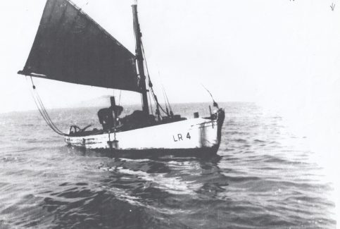 Fanny LR 4, hauling her nets in the Black Buoy Hollow